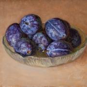 171125-fresh-prunes-in-a-glass-plate